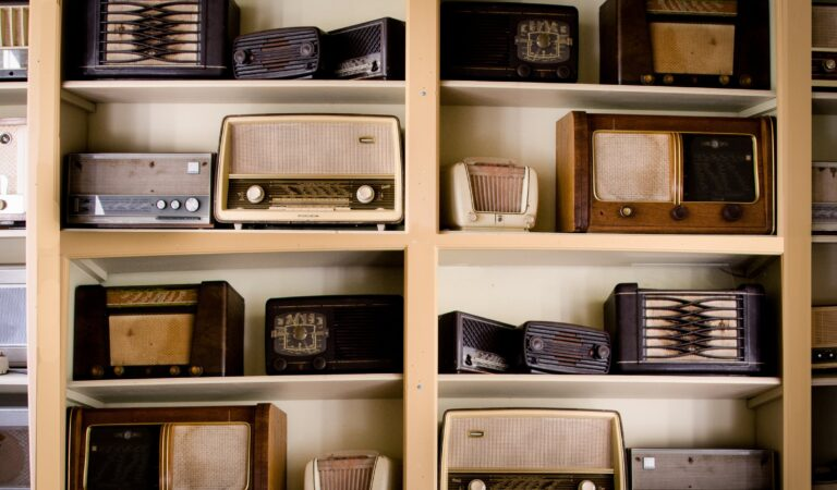 3 Simple Ways to Reach Listeners and Keep Them Engaged