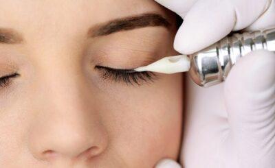 permanent-makeup-eyeliner-or-eyebrow-5-5779432-regular