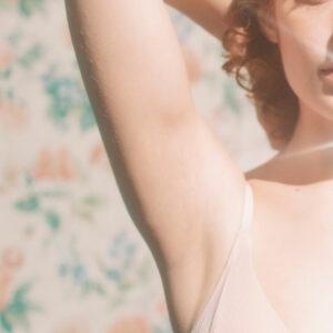 woman underarms