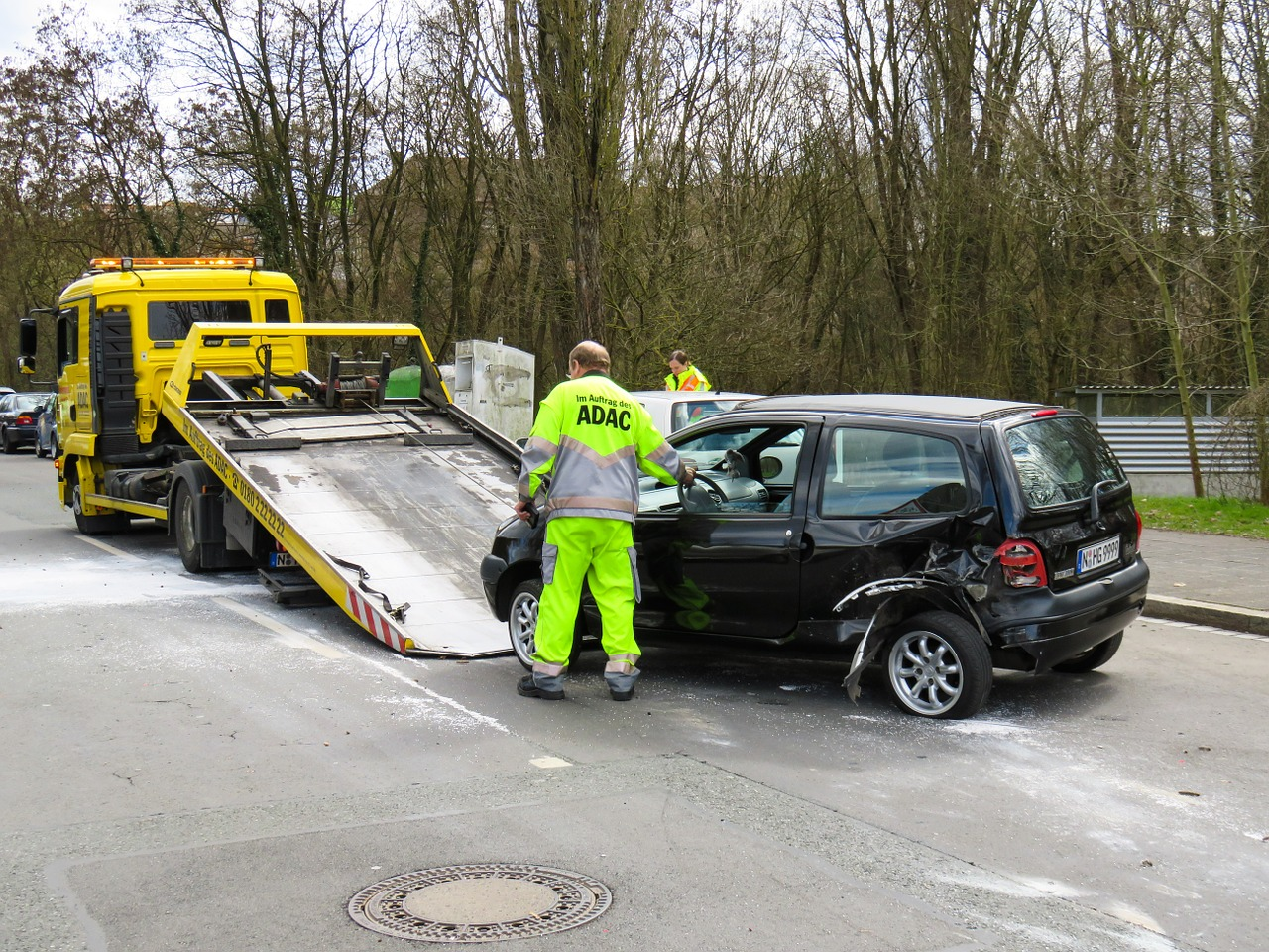 Taking pictures after an accident SETTLING AN ACCIDENT CLAIM