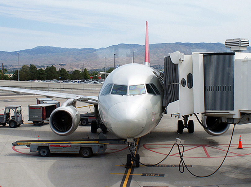 Airplane loading at the Boise airport