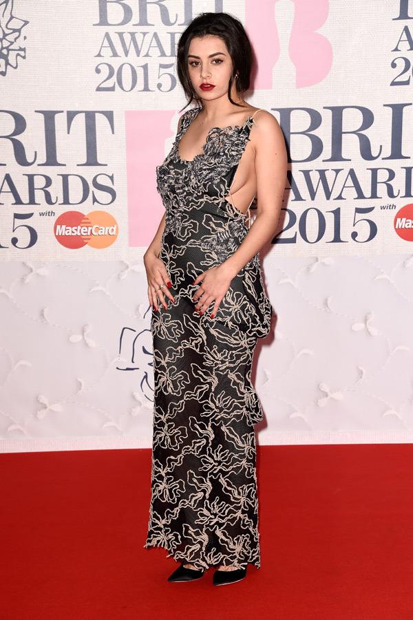 charli-xcx-brit-awards-2015-brits