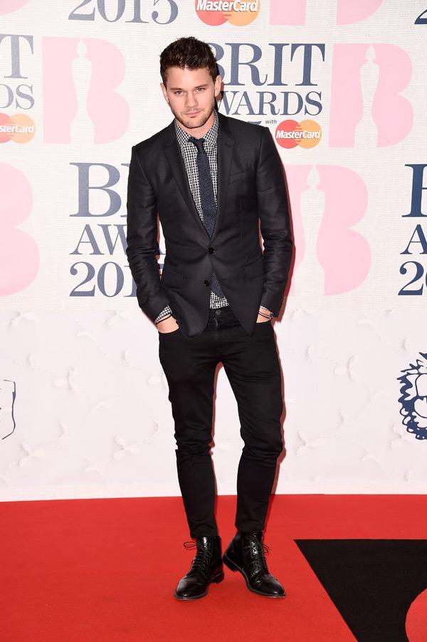 jeremy-irvine-brit-awards-2015-brits
