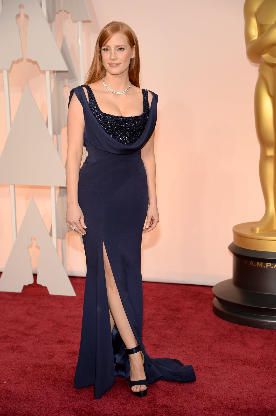 jessica-chastain-oscars-red-carpet-2015