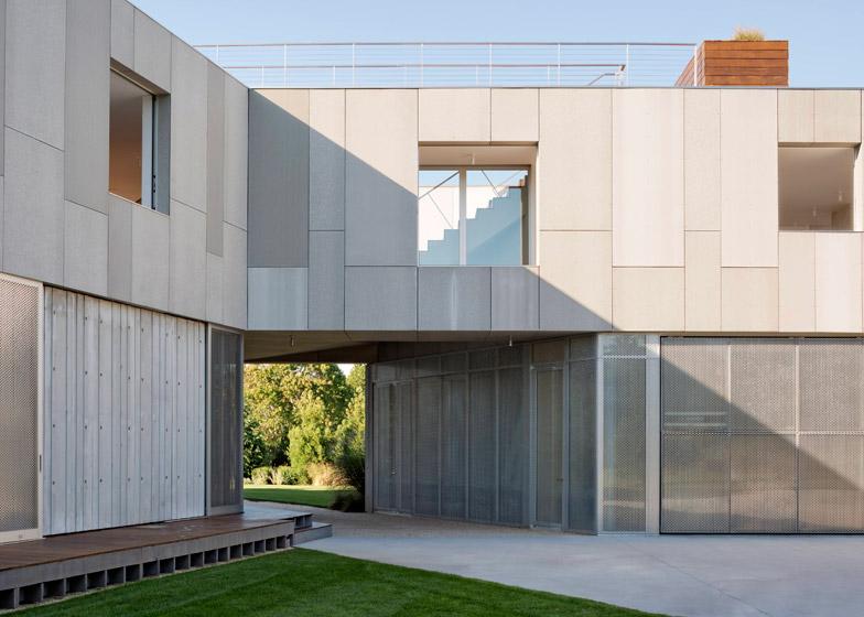 36SML-House-by-Levenbetts_dezeen_784_8