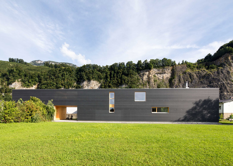 37-M-House-by-Juri-Troy-Architects_dezeen_784_5