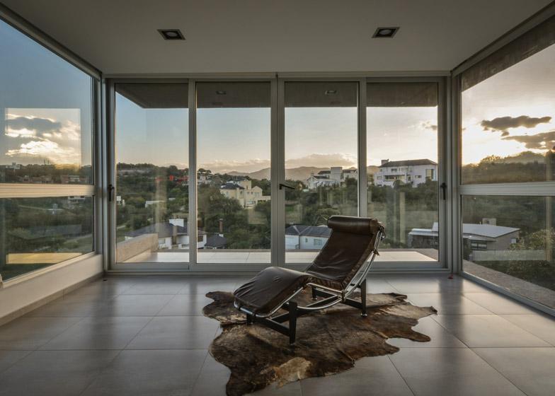 Casa-367-by-Gonzalo-Viramonte_dezeen_784_14