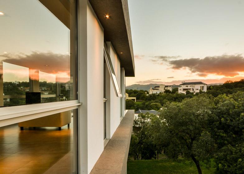 Casa-367-by-Gonzalo-Viramonte_dezeen_784_18