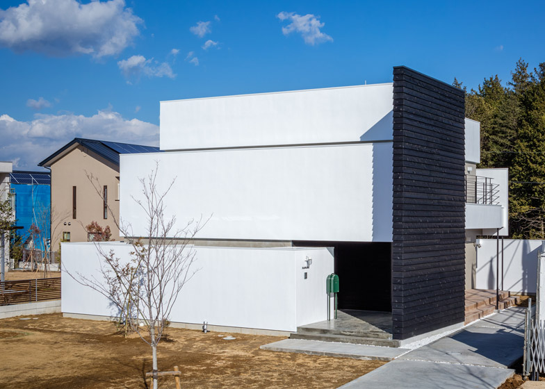 Circle-House-by-Kichi-Architectural-Design_dezeen_784_1