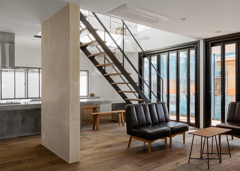 Circle-House-by-Kichi-Architectural-Design_dezeen_784_13