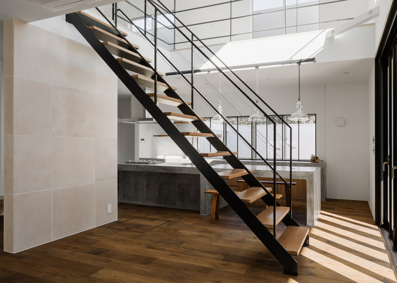 Circle-House-by-Kichi-Architectural-Design_dezeen_784_14