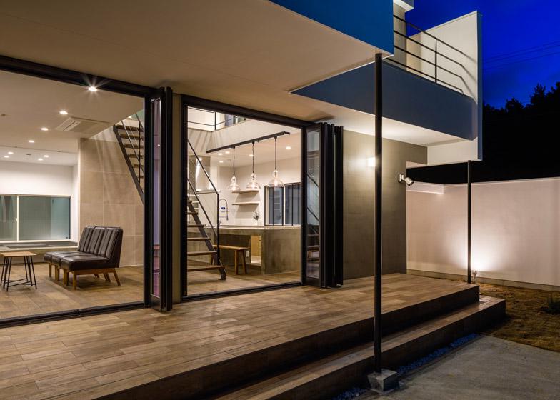 Circle-House-by-Kichi-Architectural-Design_dezeen_784_23