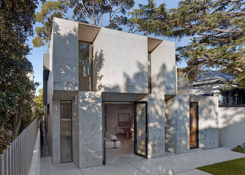 Glebe-House-by-Nobbs-Radford-Architects-extends-a-Sydney-residence_dezeen_ss_18