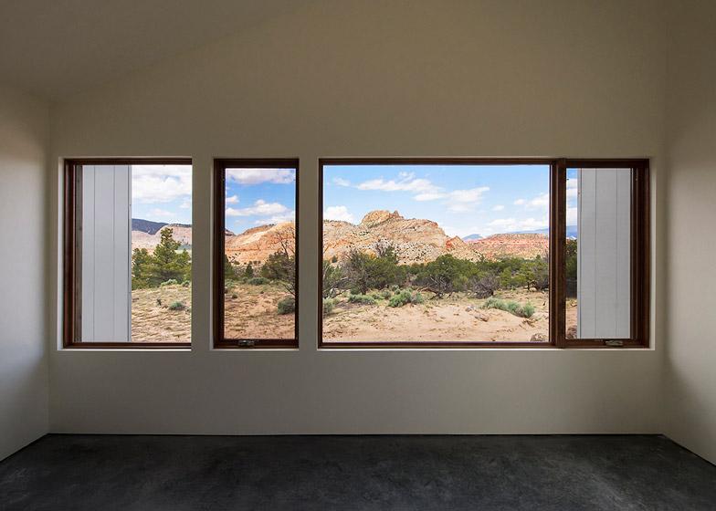 High-Desert-Dwelling-Capitol-Reef-by-Imbue-Design_dezeen_784_14