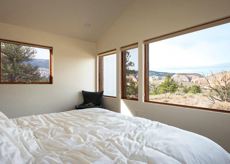 High-Desert-Dwelling-Capitol-Reef-by-Imbue-Design_dezeen_784_15