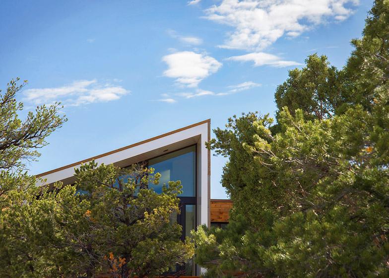 High-Desert-Dwelling-Capitol-Reef-by-Imbue-Design_dezeen_784_17