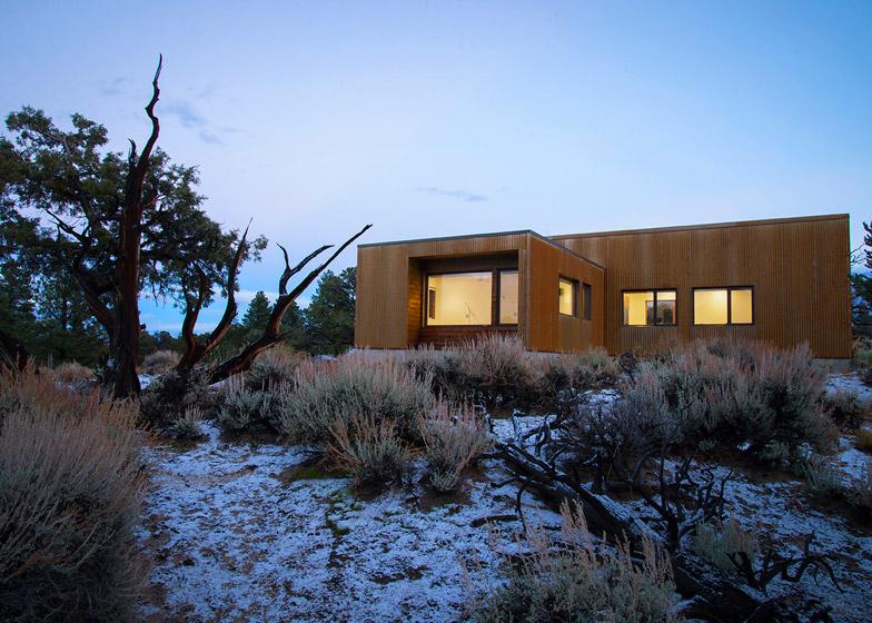 High-Desert-Dwelling-Capitol-Reef-by-Imbue-Design_dezeen_784_2