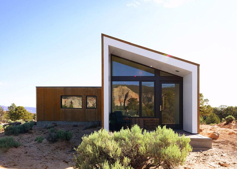 High-Desert-Dwelling-Capitol-Reef-by-Imbue-Design_dezeen_784_3