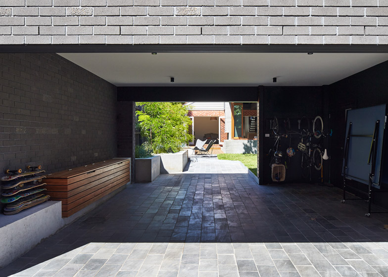 Local-House-by-MAKE-architecture_dezeen_784_4
