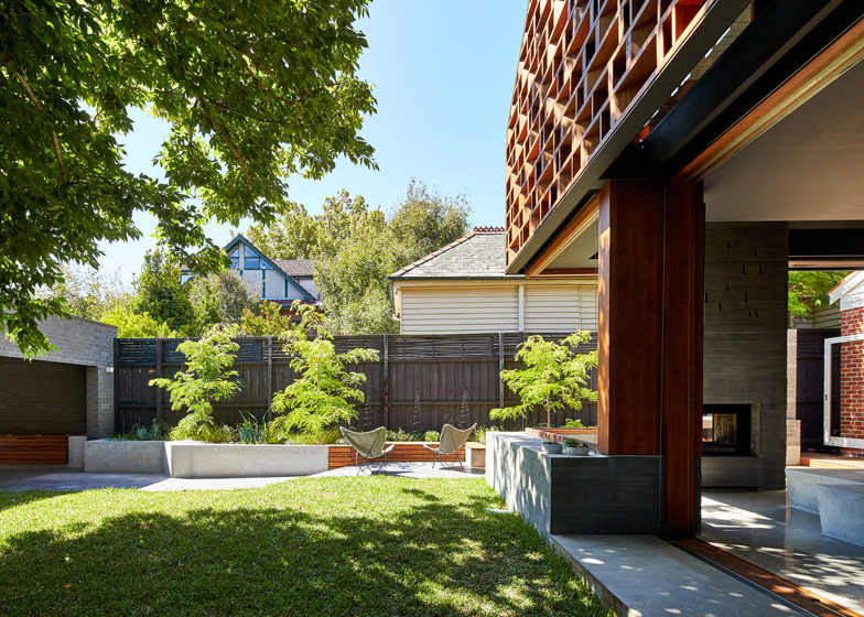 Local-House-by-MAKE-architecture_dezeen_784_7