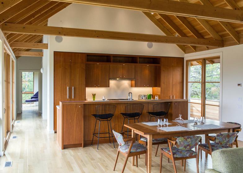 North-Pamet-Ridge-House-by-Hammer-Architects_dezeen_784_4