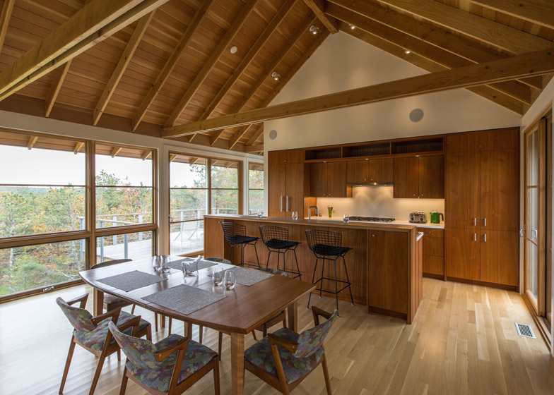 North-Pamet-Ridge-House-by-Hammer-Architects_dezeen_784_5