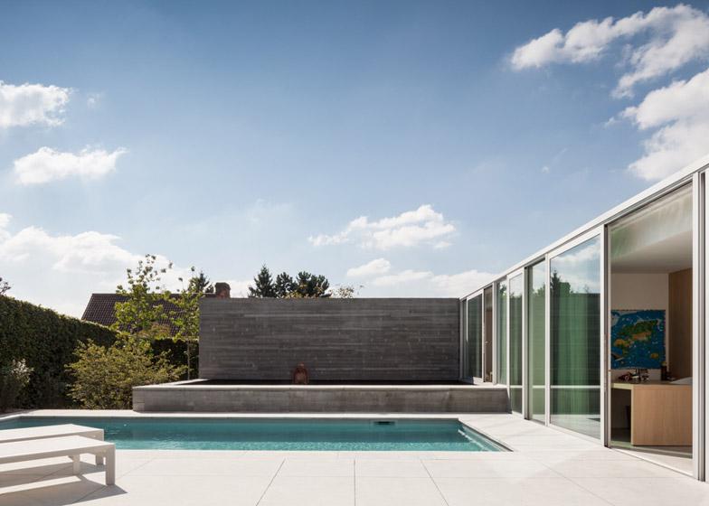 Pool-House-by-Steven-Vandenborre_dezeen_784_0