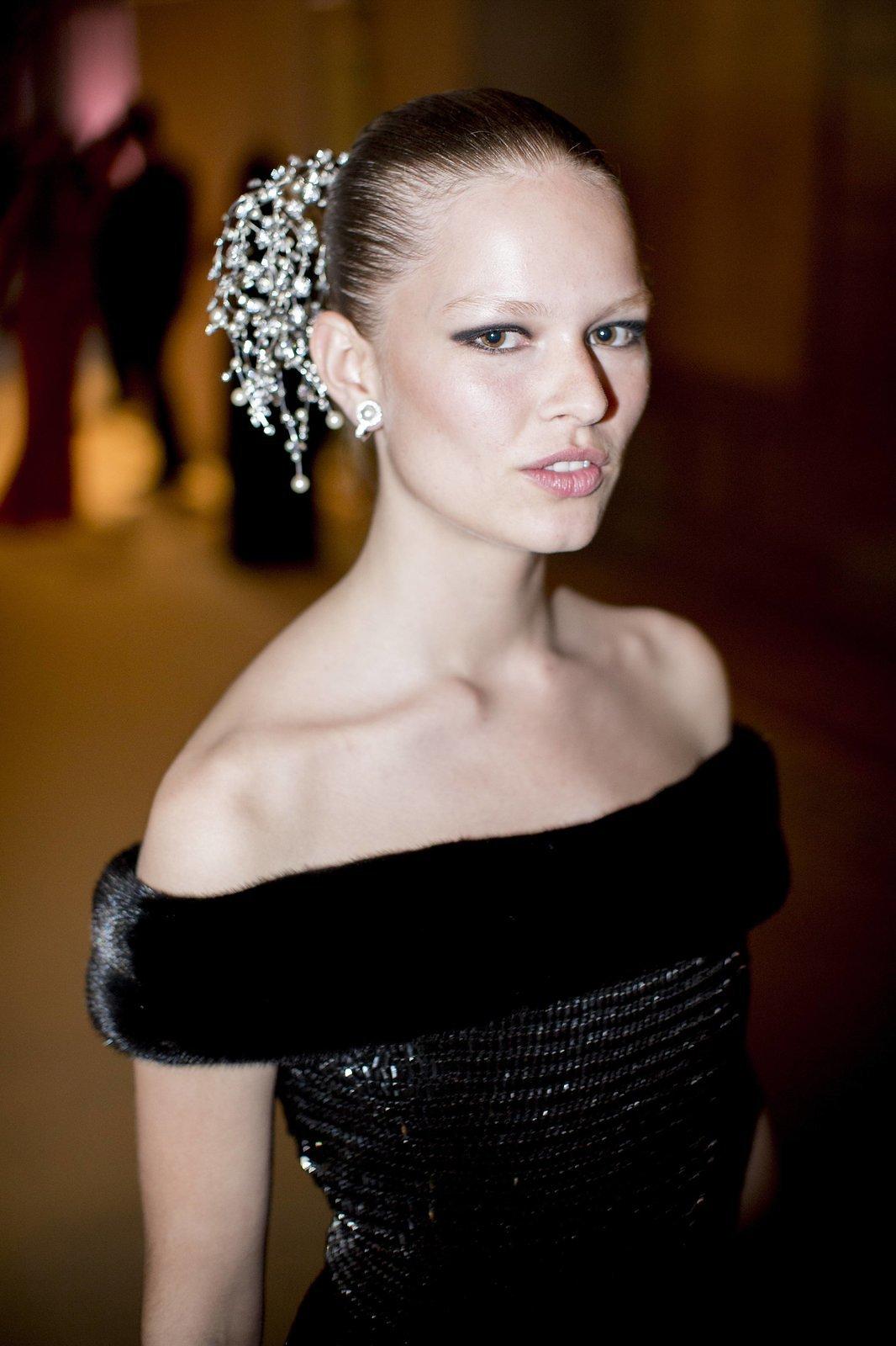 anna-ewers-2015-met-gala-best-dressed