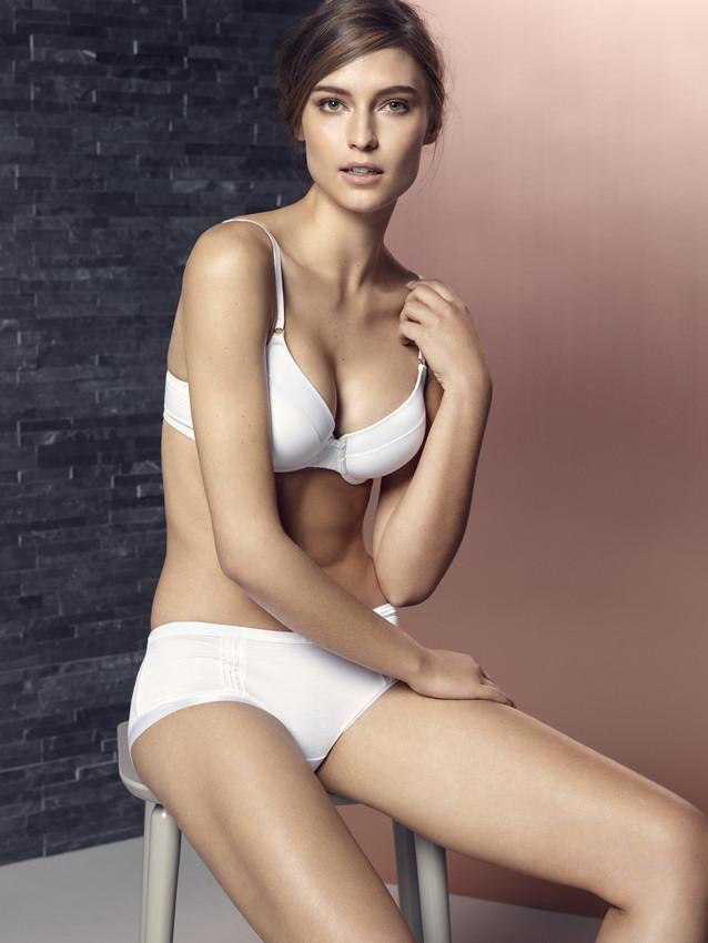marksandspencer_AW16_lingerie_inovace_Flexifit-scr