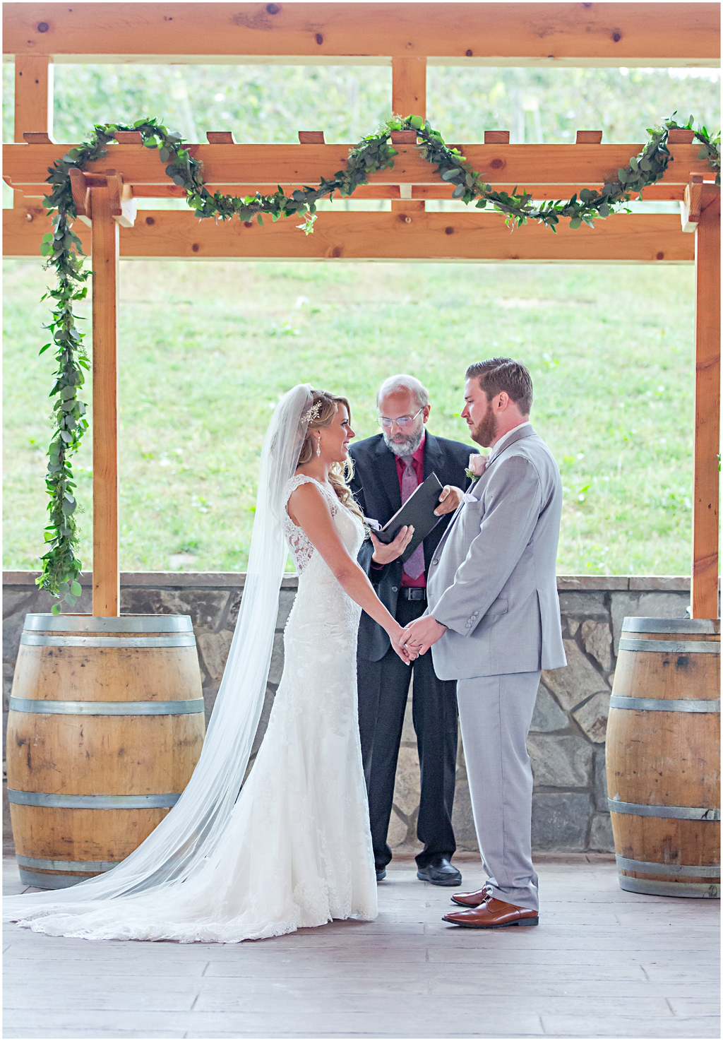 caitlinsean-creeksedgewinery-lovettsville-virginia-wedding00032