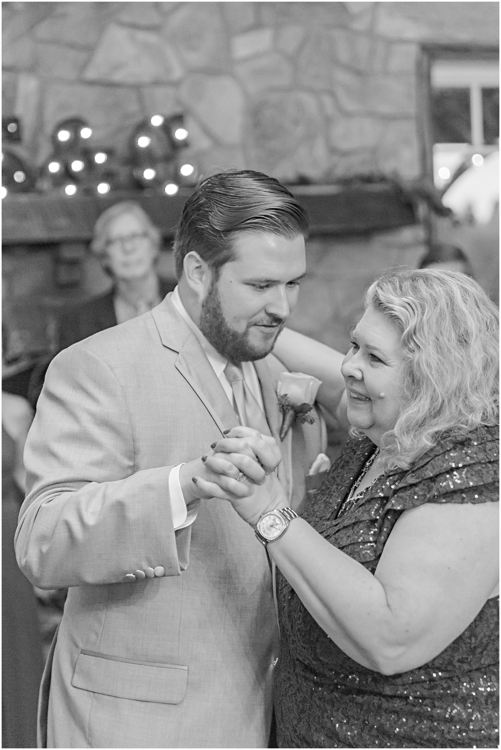 caitlinsean-creeksedgewinery-lovettsville-virginia-wedding00069