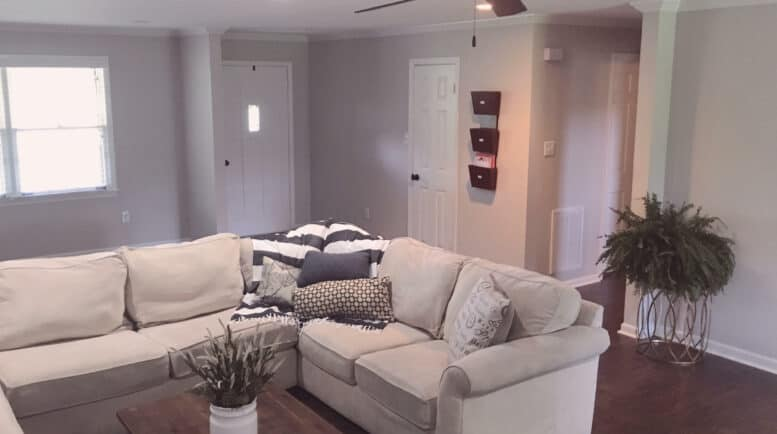 Womens recovery services - Threshold-Recovery Living Room and Entry