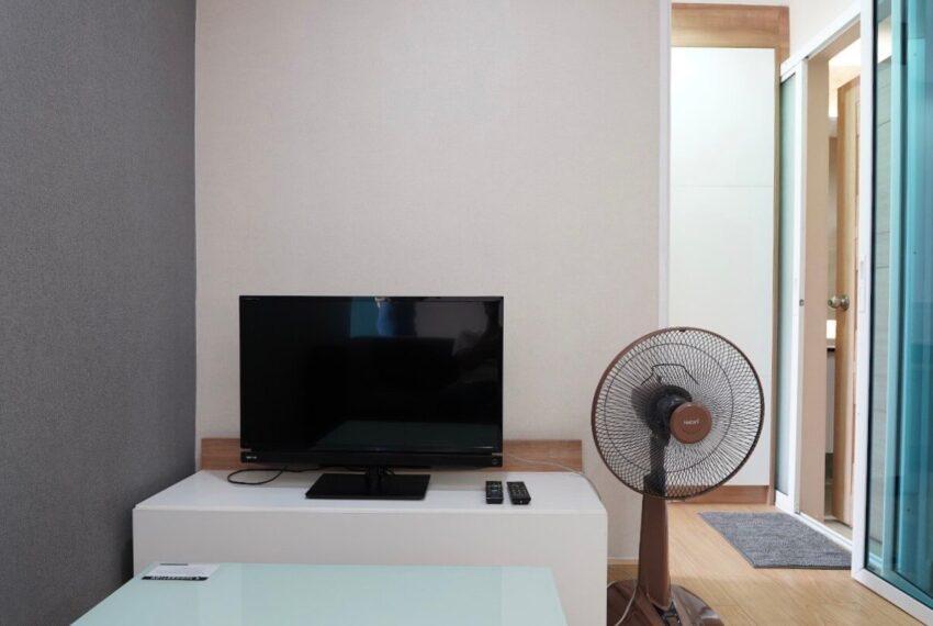Trams_condo_livingroom