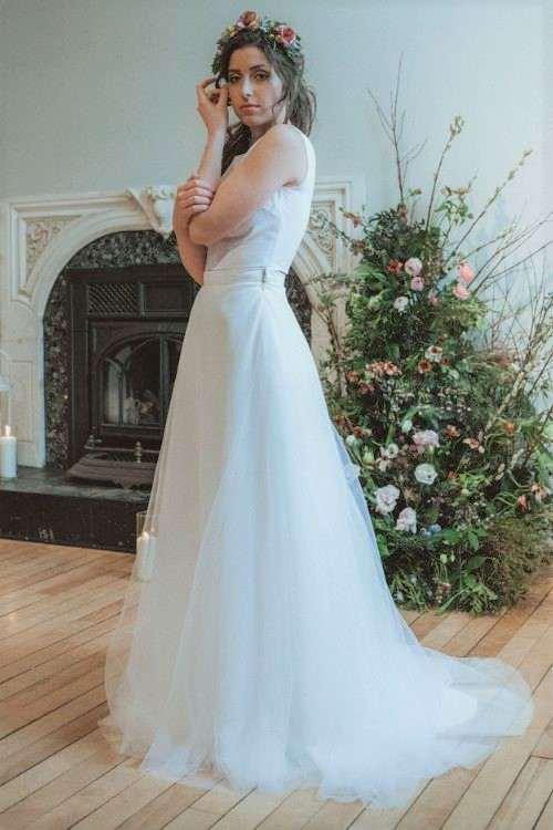 Pégase est une jupe personnalisable pour les mariées qui souhaite du volume et veulent se sentir sur un nuage.