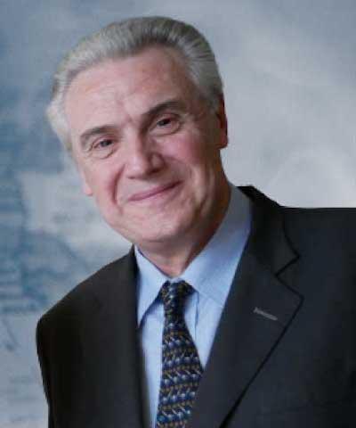 TOMÁS MACKEY
