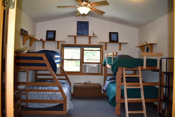 Bunks in bedroom at FishInn