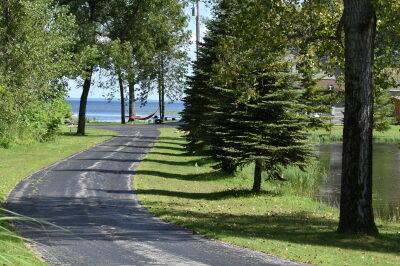Driveway to the FishInn