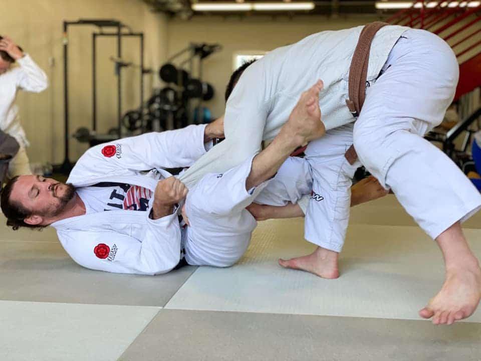 2 Brown Belts In BJJ doing Jiu-Jitsu