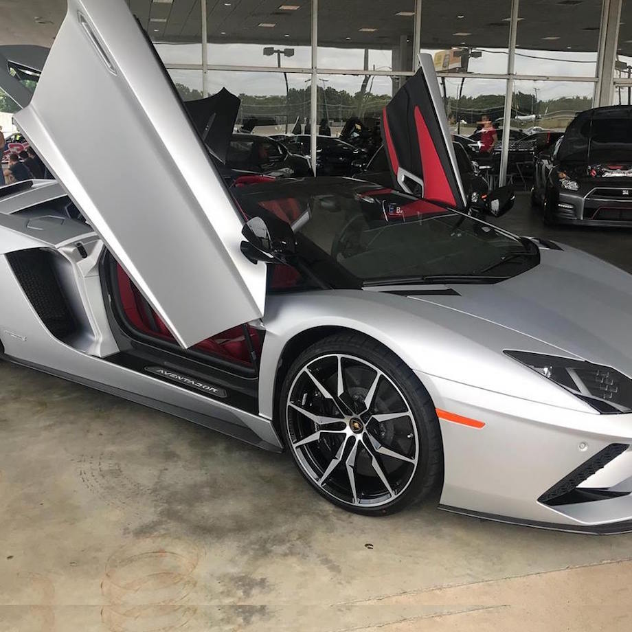 car detailing near me silver Lamborghini