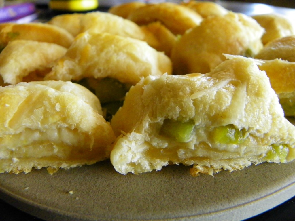 Hatch Green Chile Crescent Rolls #15MinuteSuppers