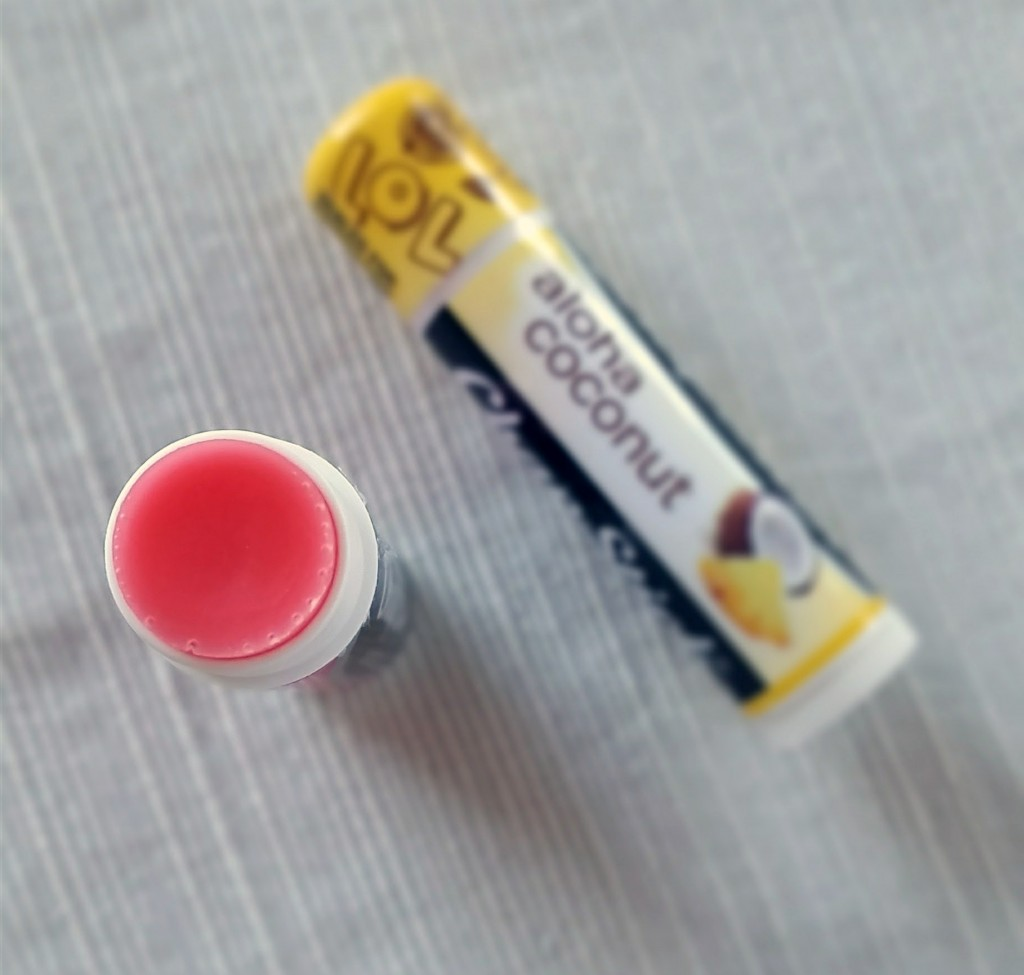 chapstick-cherry-and-aloha-coconut