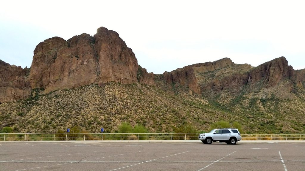 Toyota 4Runner at Water User's Recreation Area at Salt river