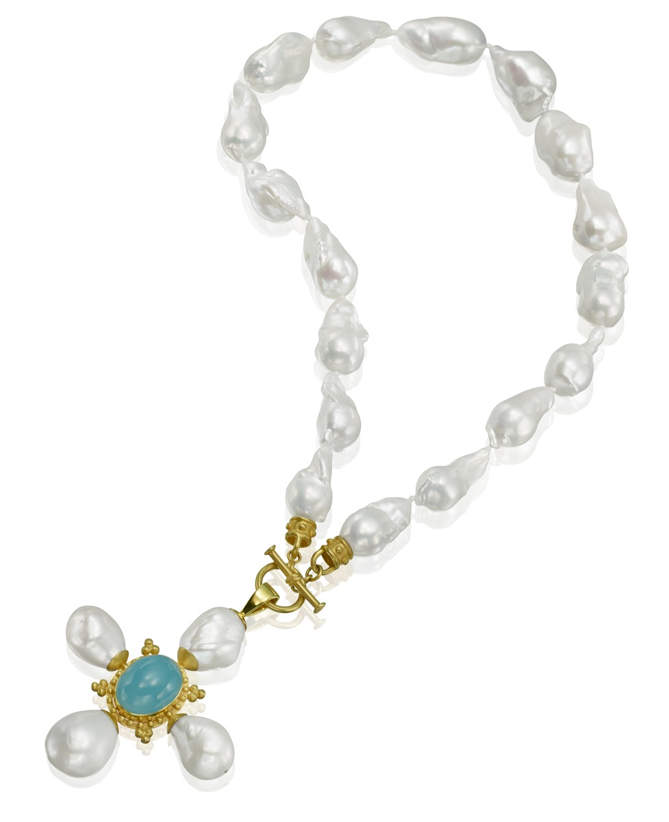 The Jewel - Mazza - Lookbook - Gold, Blue and Pearl Necklace