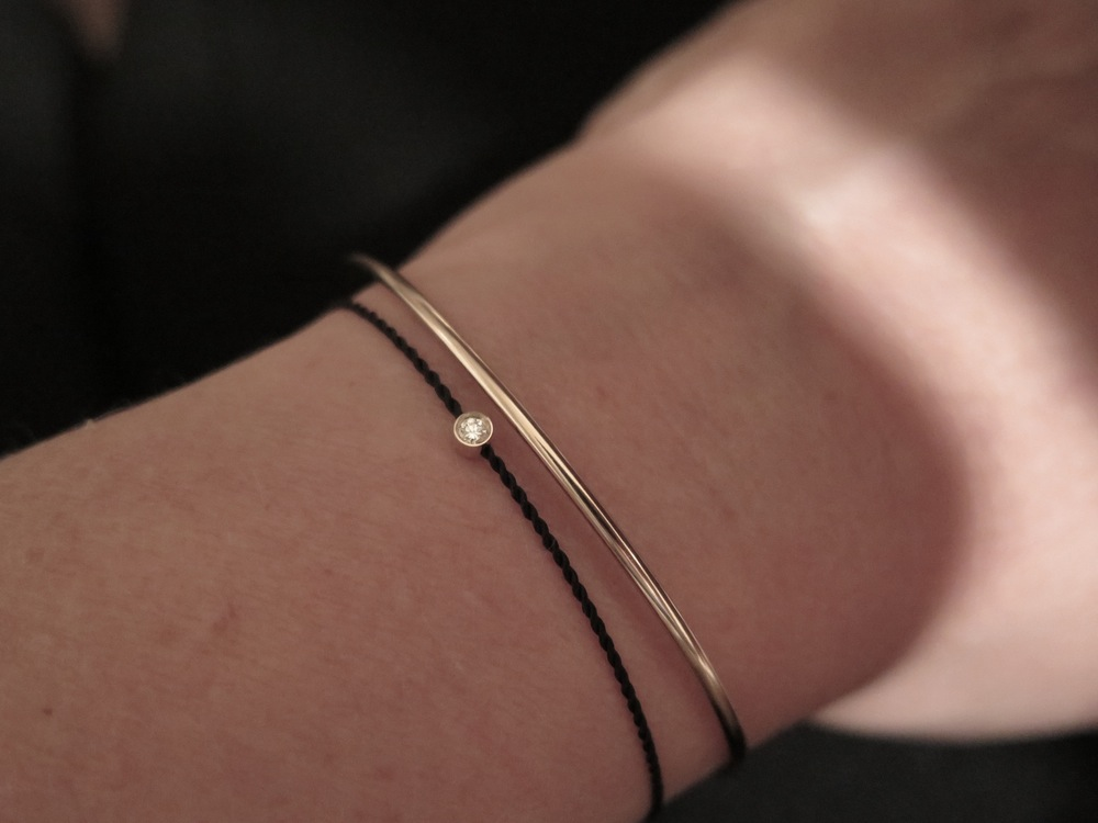 The Jewel - Hortense - Lookbook - Gold Band Black Bracelet