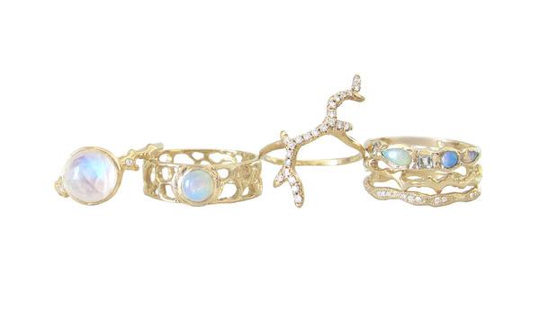 The Jewel - Misa - Lookbook - Gold Iridescent Rings
