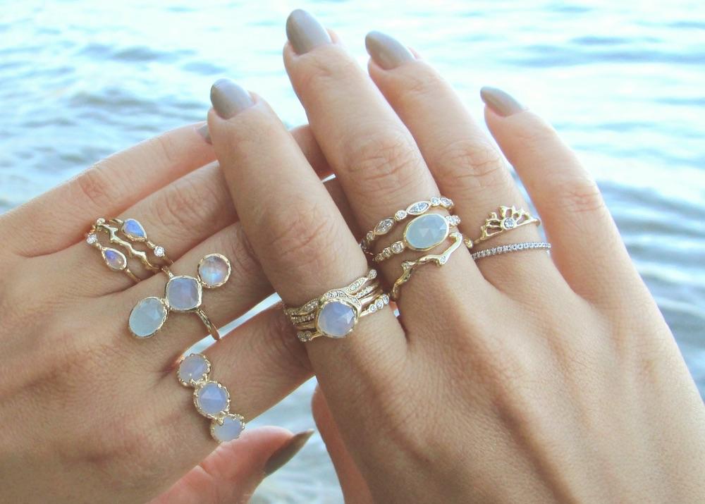 The Jewel - Misa - Lookbook - Iridescent Rings