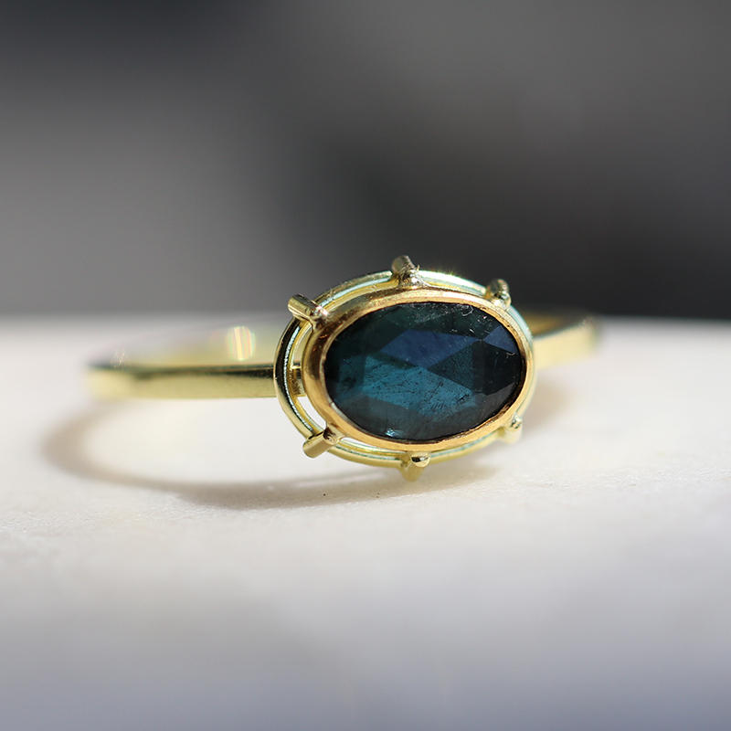 The Jewel - Tura Sugden - Lookbook - Gold Oval Dark Blue Ring