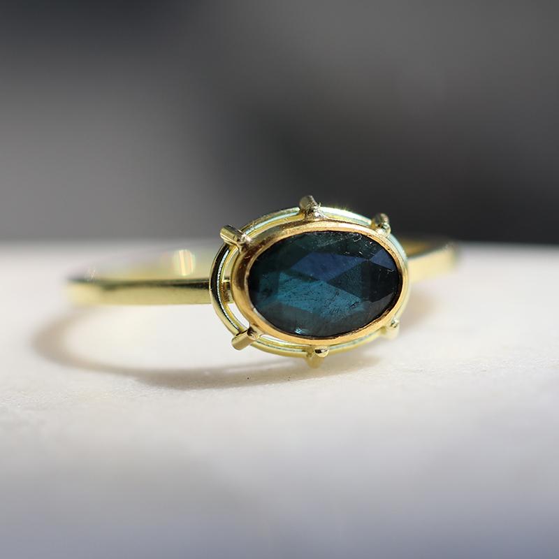 The Jewel - Tura Sugden - Lookbook - Gold Oval Dark Blue Ring