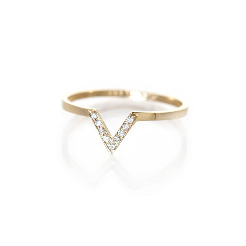 The Jewel - Zoe Chicco - Lookbook - Gold Diamond V Ring