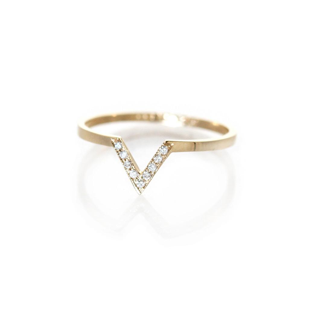 The Jewel - Zoe Chicco - Lookbook - Gold Diamond V Ring